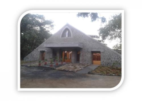 STONE WALL WITH RCC CANTILIVER SLAB